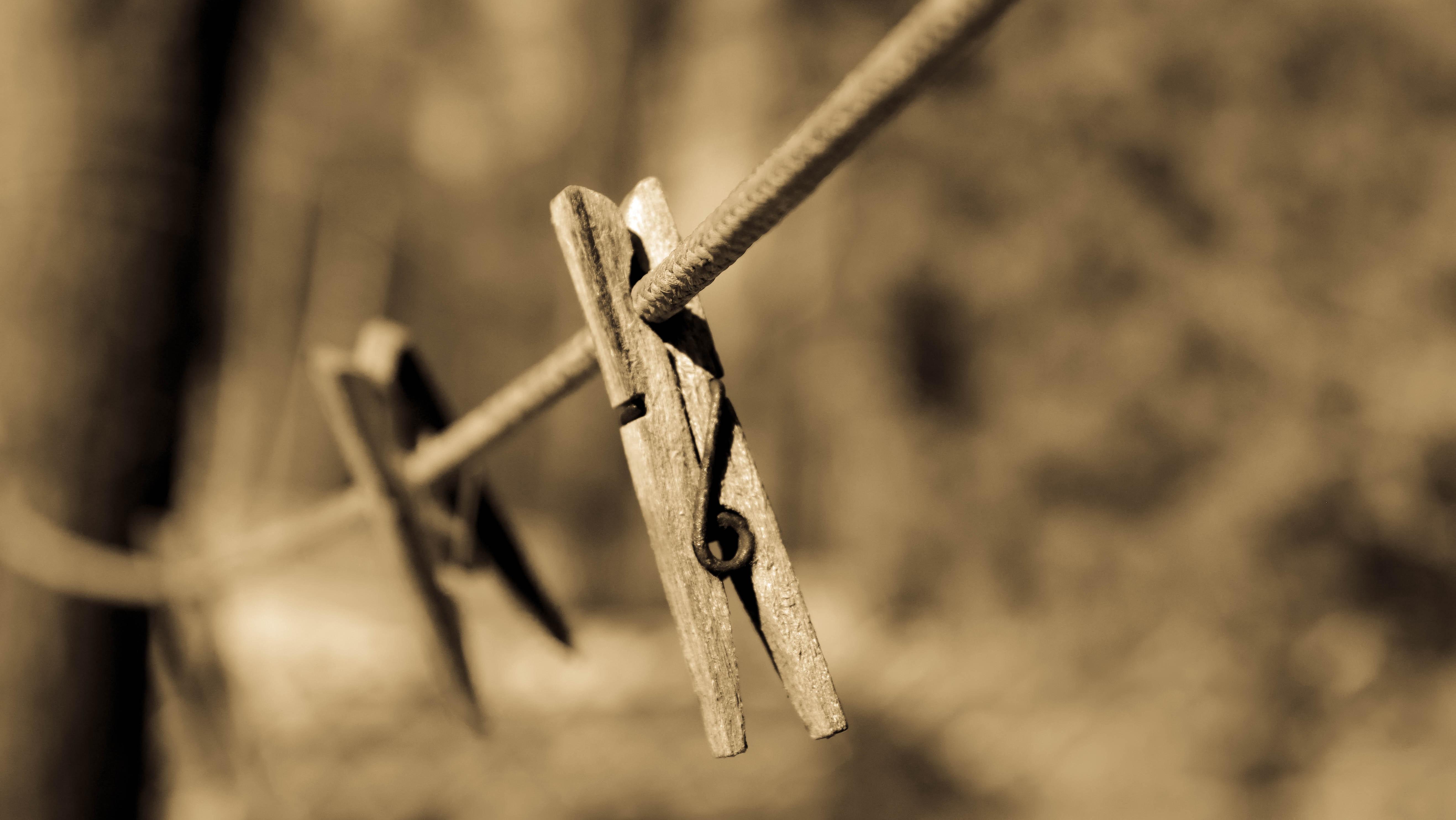 Cum faci spalarea si curatarea hainelor in functie de tesaturi